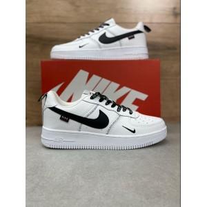 Демисезонные кроссовки Nike Air Force 1 Worldwide,белые c черным