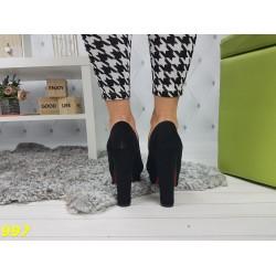 Туфли на широком каблуке красная подошва