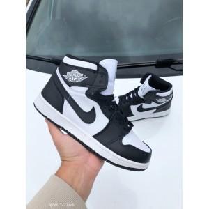 Модные подростковые кроссовки Nike Air Jordan,черно белые