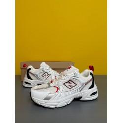 Модные подростковые кроссовки New Balance 530 White/ Red, белые