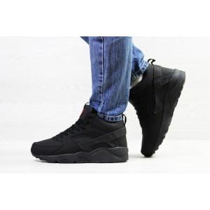 Подростковые зимние кроссовки Nike Huarache,черные,на меху 40р