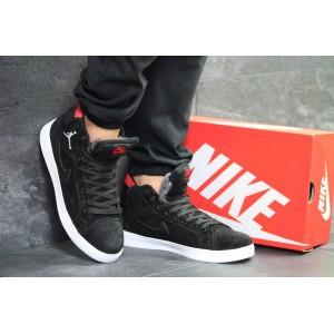 Высокие зимние кроссовки Nike Jordan замшевые,черно-белые