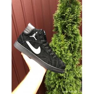 Зимние замшевые кроссовки Nike Air Jordan 1 Retro,черные с белым 44р