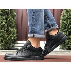 Мужские демисезонные кроссовки Nike Air Jordan 1 Retro,черные